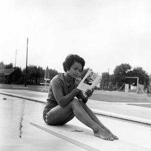 Eartha Kitt - 1959 by Isaac Sutton