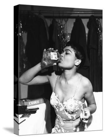 Eartha Kitt - 1959 by Isaac Sutton