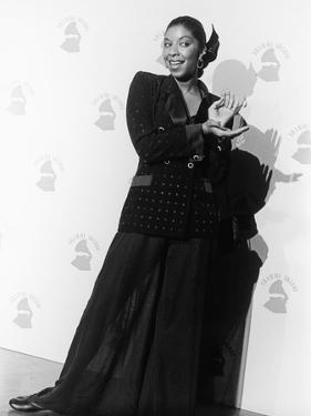 Natalie Cole Is Photographed, 31st Annual Grammy Awards, February 22, 1989 by Isaac Sutton