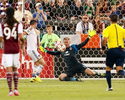 Aug 20, 2014 - MLS: Los Angeles Galaxy vs Colorado Rapids - Clint Irwin, Robbie Keane
