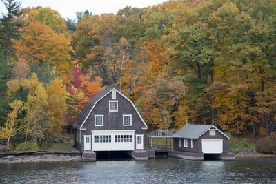 https://imgc.allpostersimages.com/img/posters/island-home-in-autumn-american-narrows-new-york-usa_u-L-PXR8G40.jpg?p=0