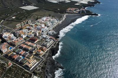 https://imgc.allpostersimages.com/img/posters/island-la-palma-puerto-naos-la-palma-spain_u-L-Q11YN5E0.jpg?p=0