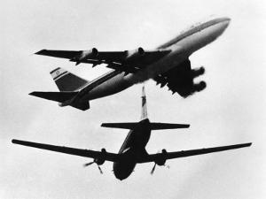Israeli El Al Boeing 747 and a Propeller HS 748 Nearly Miss One Another, June 1948