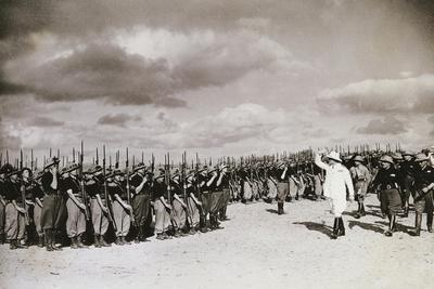 https://imgc.allpostersimages.com/img/posters/italian-troops-tiber-division-1935-ethiopian-war_u-L-PP3A4C0.jpg?p=0