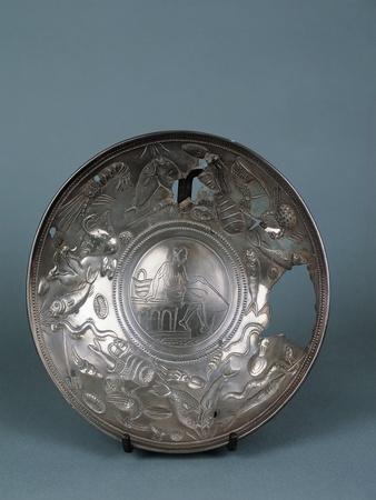 https://imgc.allpostersimages.com/img/posters/italy-bergamo-lovere-silverware-known-as-fisherman-s-plate_u-L-POPEB20.jpg?p=0