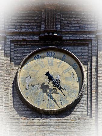 https://imgc.allpostersimages.com/img/posters/italy-clock-2_u-L-Q1AHGHJ0.jpg?p=0