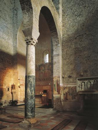 https://imgc.allpostersimages.com/img/posters/italy-friuli-venezia-giulia-region-aquileia-cross-vault-of-basilica_u-L-POPPT40.jpg?artPerspective=n