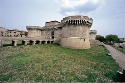 https://imgc.allpostersimages.com/img/posters/italy-marche-region-senigallia-rocca-roveresca-fortress_u-L-POUCZS0.jpg?p=0