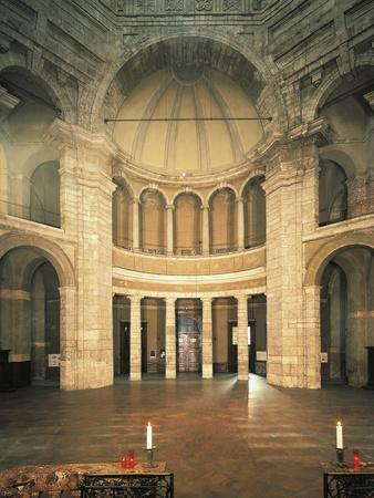 https://imgc.allpostersimages.com/img/posters/italy-milan-basilica-of-st-lawrence-central-aisle-seen-from-high-altar_u-L-POPOOG0.jpg?p=0
