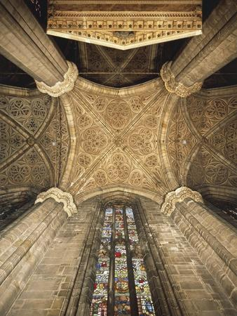 https://imgc.allpostersimages.com/img/posters/italy-milan-cathedral-vault-and-stained-glass-window_u-L-POPEI70.jpg?p=0