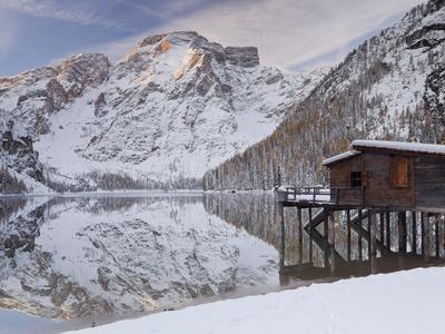https://imgc.allpostersimages.com/img/posters/italy-south-tirol-alto-adige-lake-pagser-wildsee-fanes-sennes-prags-naturpark_u-L-Q11YVGD0.jpg?p=0
