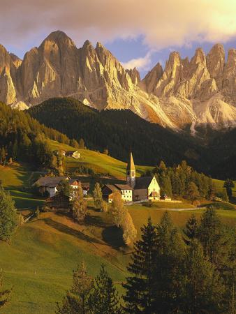 https://imgc.allpostersimages.com/img/posters/italy-south-tyrol-villn-tal-st-magdalena-church-mountains-geislerspitzen-autumn_u-L-Q11YK4U0.jpg?p=0