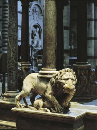 https://imgc.allpostersimages.com/img/posters/italy-tuscany-siena-catherdal-pulpit-by-nicola-pisano-detail_u-L-POPEY70.jpg?p=0