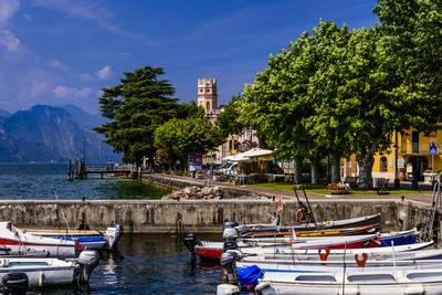 https://imgc.allpostersimages.com/img/posters/italy-veneto-lake-garda-torri-del-benaco-district-pai-townscape_u-L-Q11YO8K0.jpg?p=0