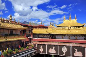 Jokhang Temple, Lhasa, Tibet, China by Ivan Vdovin