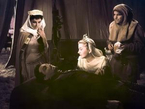 IVANHOE, 1952 directed by RICHARD THORPE Elizabeth Taylor, Robert Taylor and Joan Fontaine (photo)