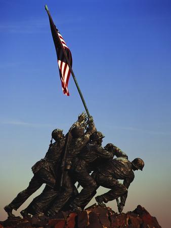https://imgc.allpostersimages.com/img/posters/iwo-jima-memorial-washington-dc-usa_u-L-PN6YLN0.jpg?p=0