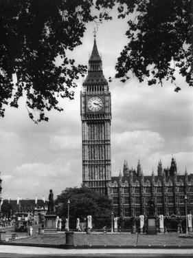Big Ben 1950 by J. Chettlburgh