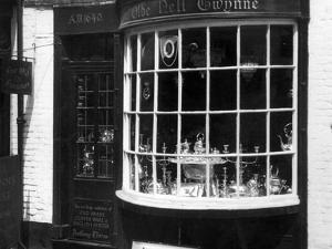 Ye Olde Nell Gwynne by J. Chettlburgh