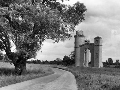 Dunstall Castle Folly