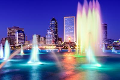 https://imgc.allpostersimages.com/img/posters/jacksonville-florida-usa-skyline-at-the-fountain_u-L-Q105M6I0.jpg?p=0