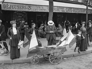 Man Selling Flags, Paris, 1914 by Jacques Moreau