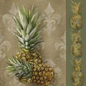 Pineapple Welcome II by Jade Reynolds