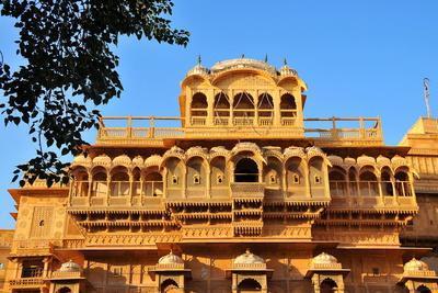 https://imgc.allpostersimages.com/img/posters/jaisalmer-raj-mahal-royal-palace-jaisalmer-rajasthan-india-asia_u-L-PNGE3A0.jpg?p=0