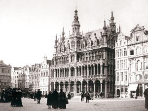 Market Square, Brussels, 1898 by James Batkin
