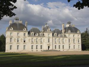 17th Century Chateau De Cheverny, Loir-et-Cher, Loire Valley, France, Europe by James Emmerson