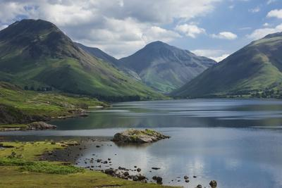 Great Gable, and Yewbarrow, Lake Wastwater, Wasdale, Lake District National Park