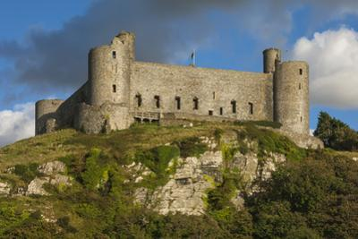Harlech Castle, a medieval castle built by Edward 1 in 1282, UNESCO World Heritage Site, Harlech, G