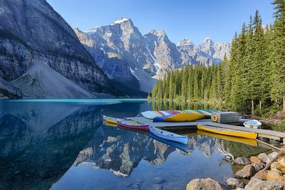 Canada, Banff NP, Valley of the Ten Peaks, Moraine Lake, Canoe Dock