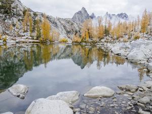 USA, Washington State. Alpine Lakes Wilderness, Enchantment Lakes, Sprite Lake and Prusik Peak by Jamie & Judy Wild