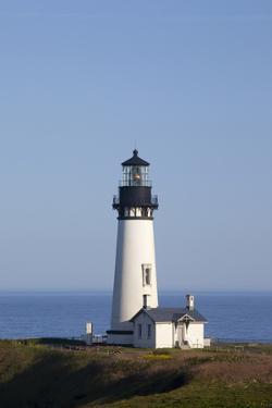 Yaquina Head Lighthouse, 1873, Newport, Oregon, USA by Jamie & Judy Wild