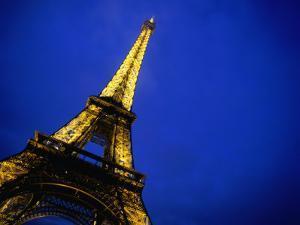 Eiffel Tower - Paris, France by Jan Stromme