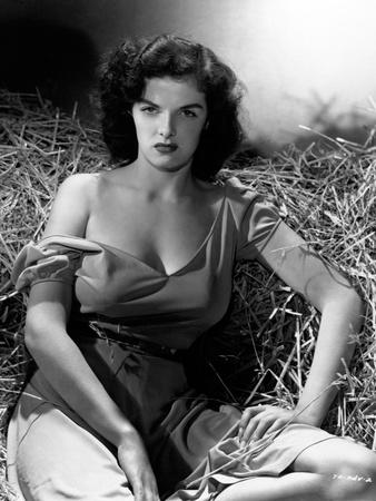 https://imgc.allpostersimages.com/img/posters/jane-russell-the-outlaw-1943-directed-by-howard-hughes_u-L-Q10T96N0.jpg?artPerspective=n