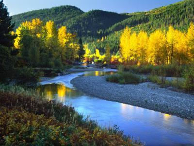 Wenatchee River, Central Cascades, Washington, USA