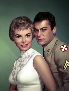 Janet Leigh and Tony Curtis THE PERFECT FURLOUGH, 1958 directed by BLAKE EDWARDS (photo)