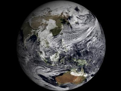 https://imgc.allpostersimages.com/img/posters/january-2-2009-cloud-simulation-of-the-full-earth_u-L-PC2I2M0.jpg?artPerspective=n