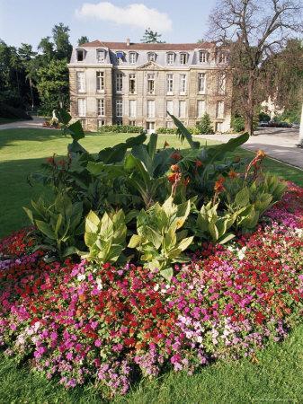 https://imgc.allpostersimages.com/img/posters/jardin-des-plantes-quartier-latin-paris-france_u-L-P1JV4H0.jpg?artPerspective=n
