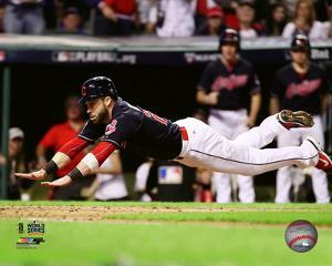 Jason Kipnis scores on a wild pitch during Game 7 of the 2016 World Series
