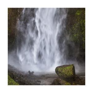 Multmomah Falls square by Jason Matias