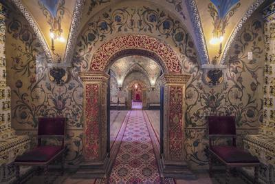 Russia, Moscow. Ornate room inside the Grand Kremlin Palace.