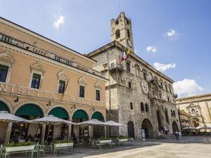 Caffe Meletti and Palazzo Dei Capitani Del Popolo, Piazzo Del Popolo, Ascoli Piceno by Jean Brooks