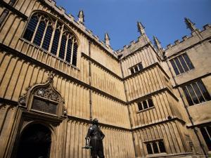 Earl of Pembroke Statue, Bodleian Library, Oxford, Oxfordshire, England, United Kingdom by Jean Brooks