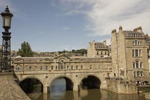 Pulteney Bridge, Bath, UNESCO World Heritage Site, Avon, England, United Kingdom, Europe by Jean Brooks