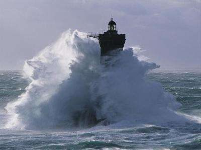 Phare du Four lors d'une tempete by Jean Guichard