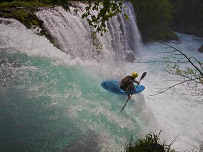 A Kayaker Running Spirit Falls, Little White Salmon River by Jed Weingarten/National Geographic My Shot