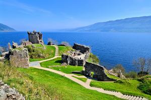 Castle Ruins at Loch Ness by Jeni Foto